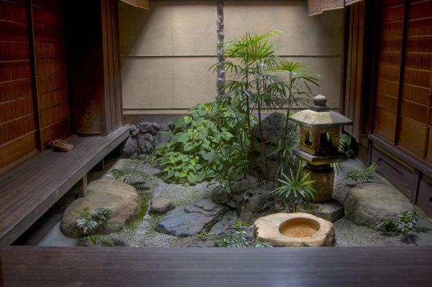 Japanese courtyard garden Kyoto Yoshida residence