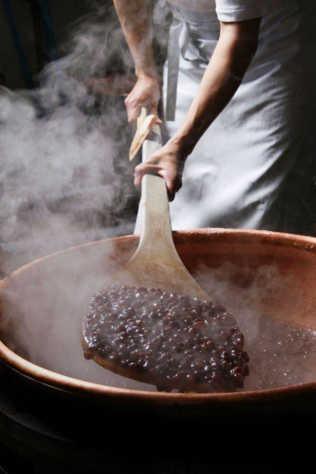 sunai-no-sato-wagashi-sweet-shiga-japan-azuki-beans
