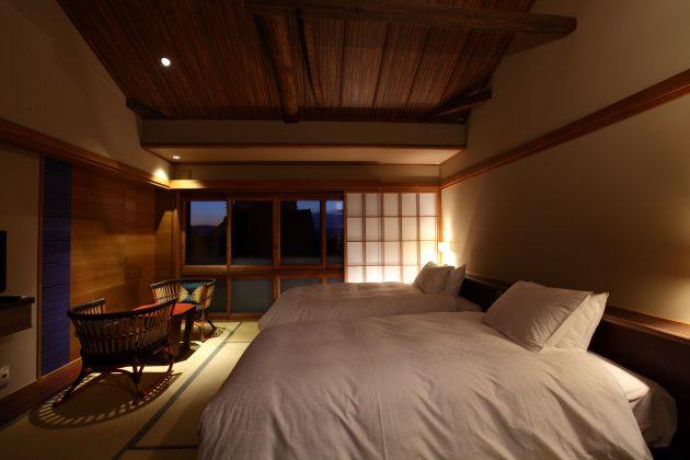 yasaka-yutone-room-night-luxury-guesthouse-ryokan-kyoto