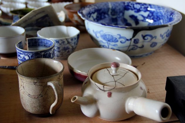 cups and bowls repaired by Mio Heki kintsugi method