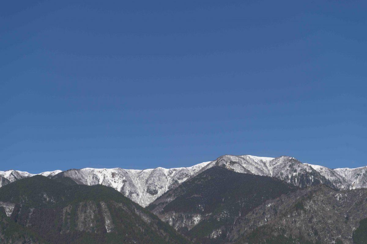 Mountain view from the studio of Shuji Nakagawa ©Yuya Hoshino